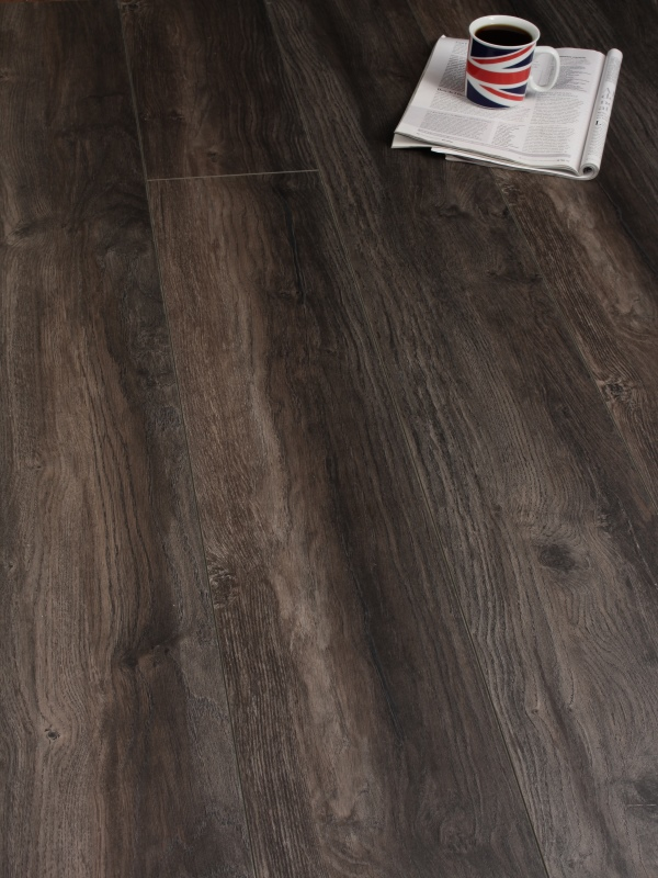 Kronotex 12mm harbour oak dark twenty 12 flooring for Kronotex laminate flooring reviews